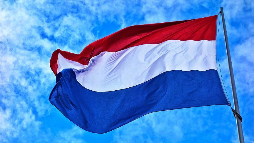 Hollanda'da Türklere 'haçlı' tehdit