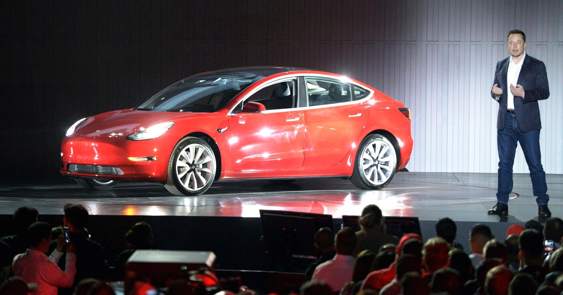 Tesla'dan Türkiye'de anlaşma: 200 kilometrede bir istasyon olacak