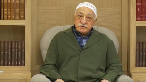 Gülen'in Haki Cübbesi Darbe Sinyali Miydi?