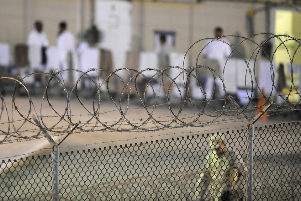 Guantanamo'daki 15 Tutuklu BAE'ye Transfer Edildi