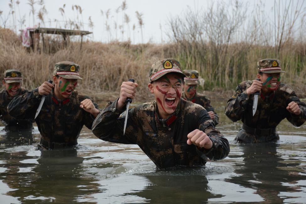 Çin Ordusu Rejim Askerlerini Eğitecek