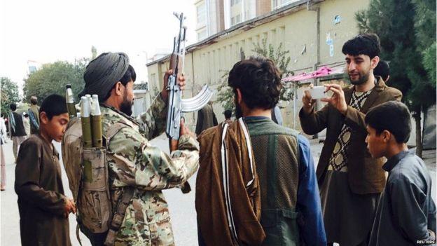 Taliban Kunduz'un Hanabad İlçesini Ele Geçirdi