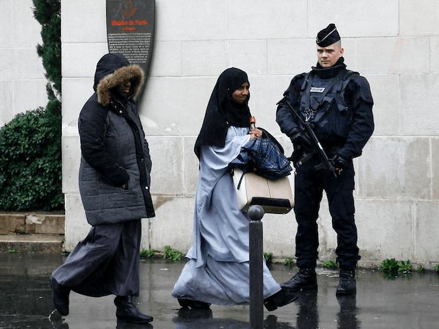 Fransa'da 'Tesettür Cezası' Yürürlükte