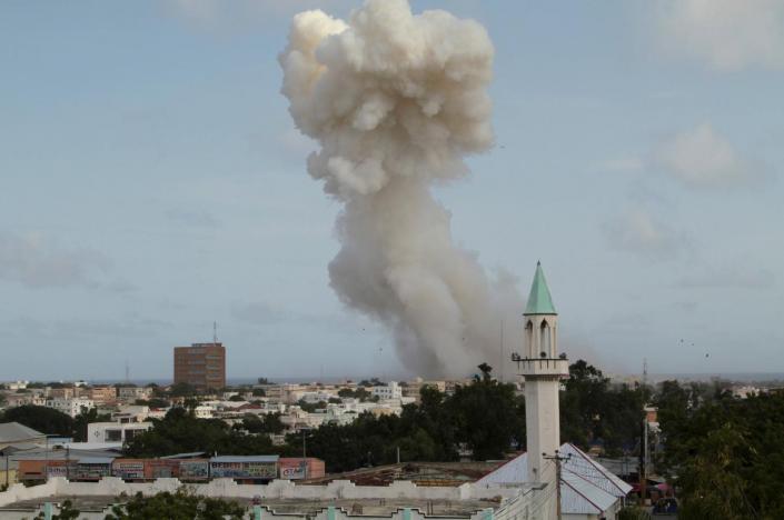 Mogadişu'da Türk Büyükelçiliği Yakınlarında Bombalı Saldırı