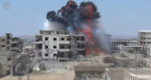 Humus'ta Napalm'li Saldırı