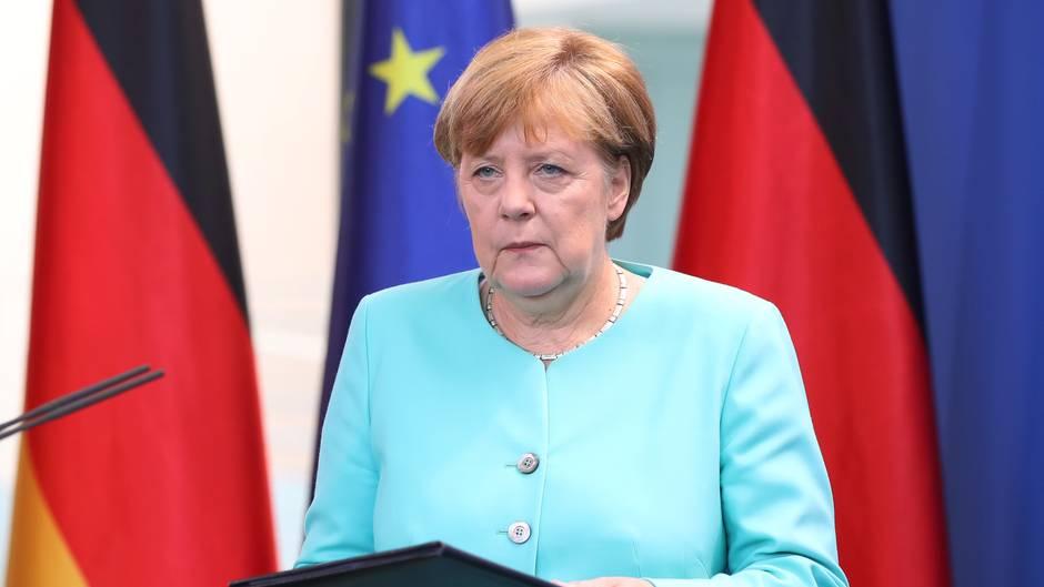 Merkel Sorumluluğu Üstlendi