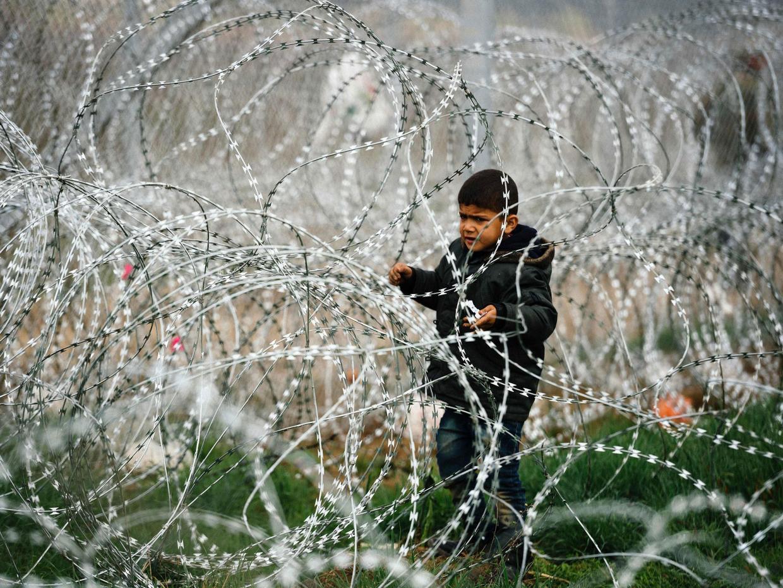 """""""Yunanistan sığınmacı çocukları hücrelerde tutuyor"""""""