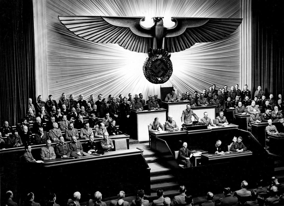 Hitler ABD'ye hiç savaş ilan etmeseydi ne olurdu?