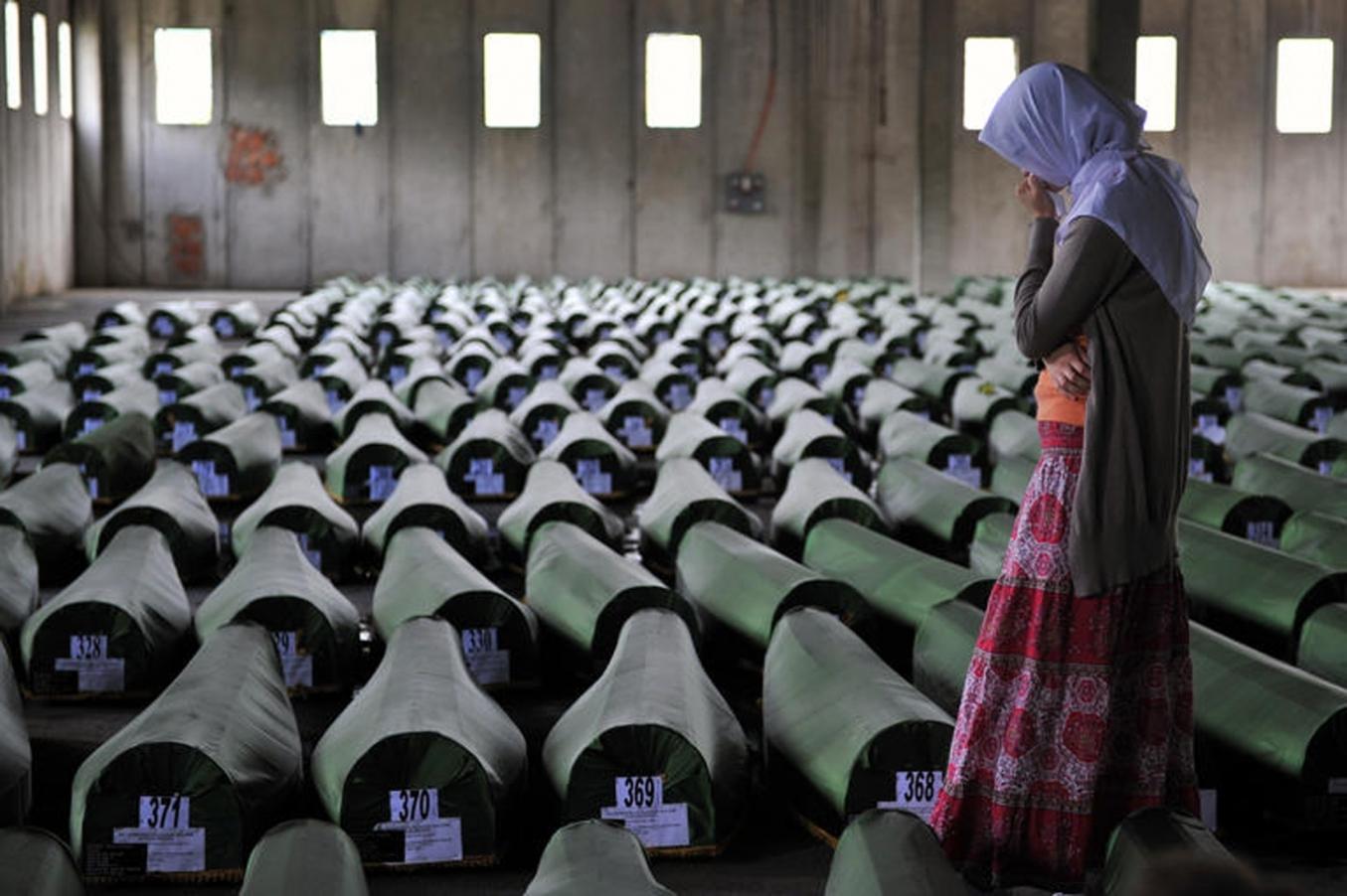 AİHM: Hollanda, Srebrenitsa katliamından sorumlu değil
