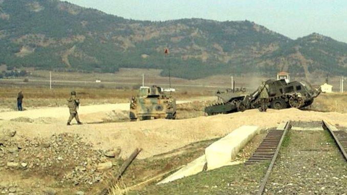 YPG, Türkiye'nin Afrin sınırındaki faaliyetlerinden endişeli