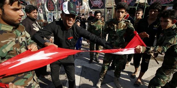 Başika gerilimi tırmanıyor: Basra'da Türk bayrağı yırtıldı