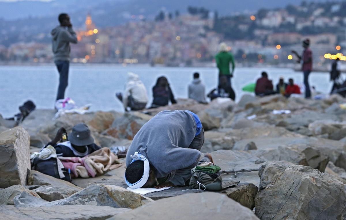 Sığınmacıları almayan Fransa'ya tepki