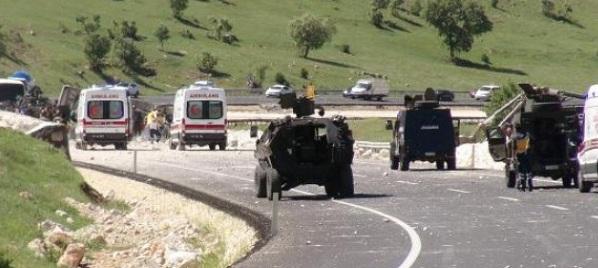 Mardin'de askeri araç geçişi sırasında patlama meydana geldi
