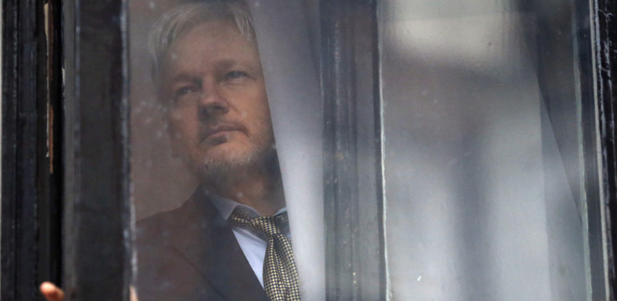 Assange'ın interneti kesildi