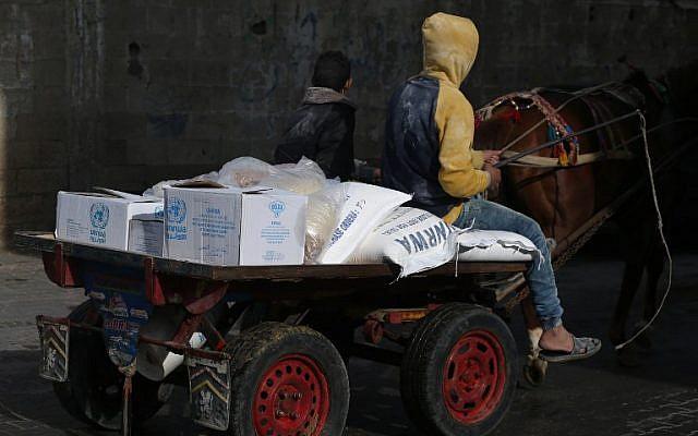 ABD Filistinli mültecilere yaptığı yardımı askıya aldı