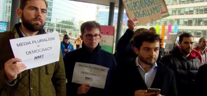 OHAL'in sürdüğü Brüksel'de  gazeteciler ifade özgürlüğü istedi