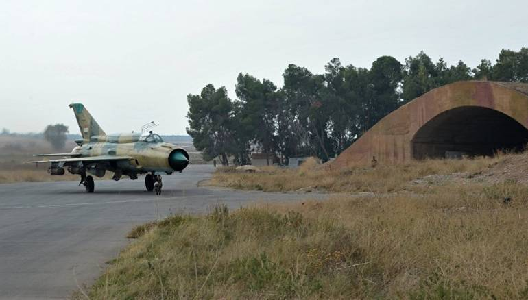 Rejim koalisyonu Ebu Zuhur Havaalanı'na girdi