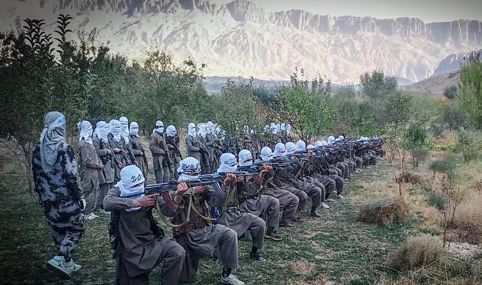 Taliban kuzeydeki eğitim kampının görüntülerini paylaştı