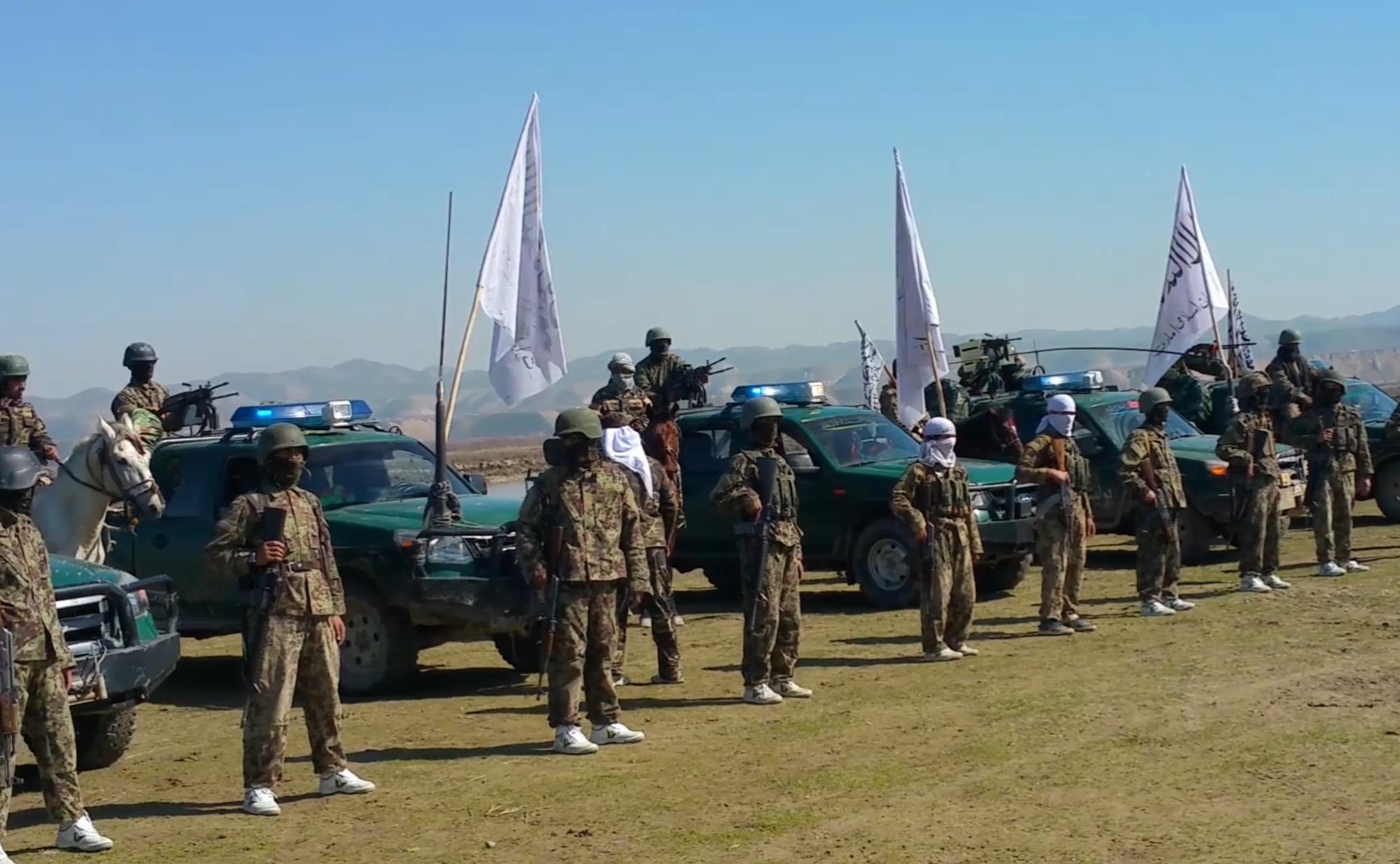 Taliban Kunduz'daki özel kuvvetlerini tanıtttı