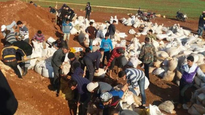 İdlib halkı muhaliflerle birlikte kenti savunuyor