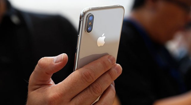 Apple daha az iPhone sattı fakat karını artırdı