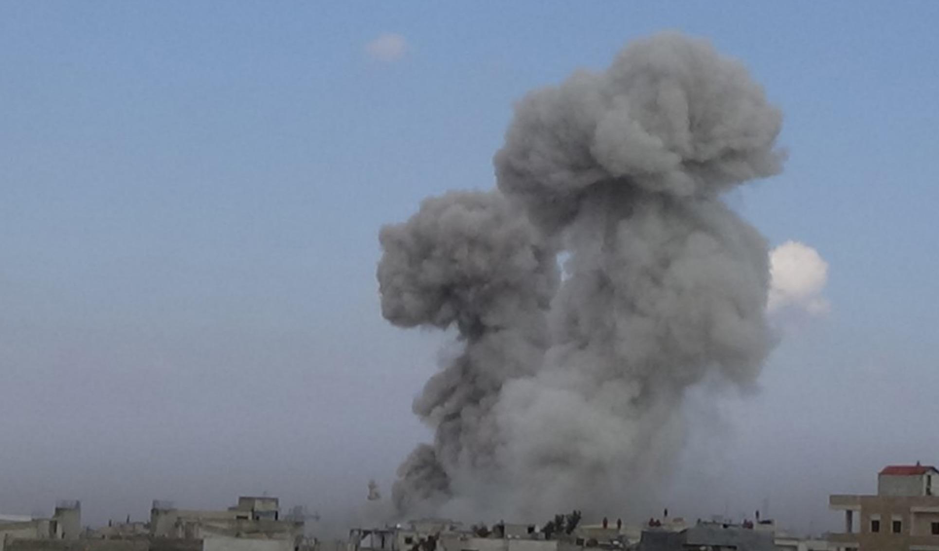 Rus uçakları İdlib'i yoğun olarak vurmaya başladı