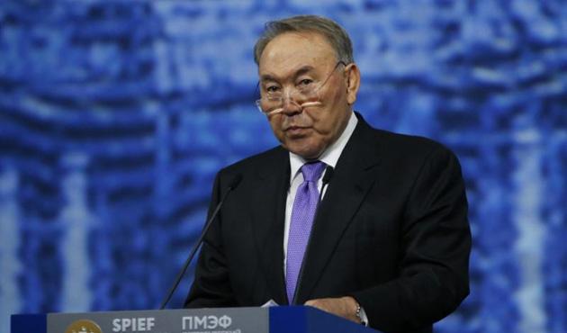 Kazakistan Cumhurbaşkanı Nazarbayev için 'ömür boyu başkanlık'