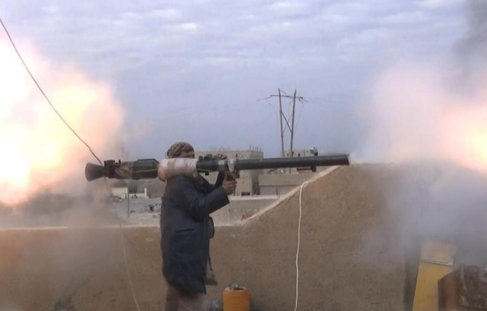 IŞİD İdlib'e girmek üzere: Muhalifler ile şiddetli çatışmalar yaşanıyor