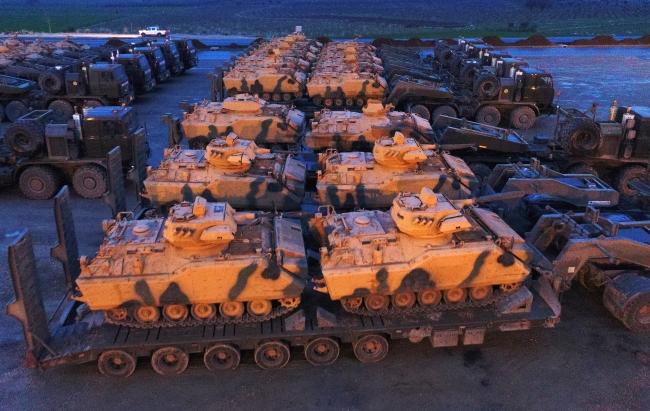 Zeytin Dalı Harekatı: Hatay'a tank ve askeri araç takviyesi hızlanıyor