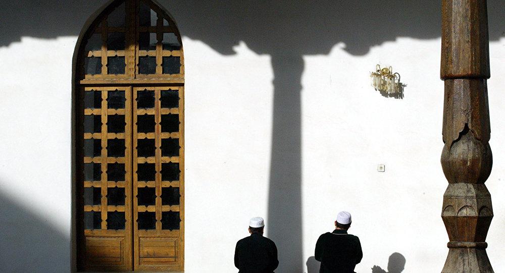 Tacikistan'da İslam karşıtı politika ağırlaşıyor: Ülkedeki camilerin yarısı kapatıldı