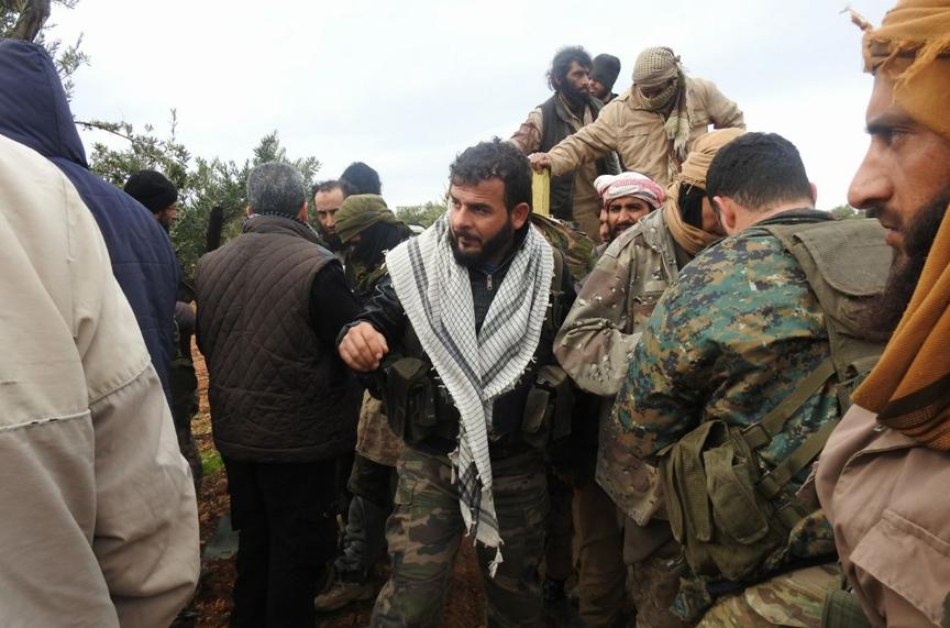 İdlib'de yeni sayfa: 340 IŞİD üyesi muhaliflere teslim oldu