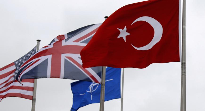 'Türkiye'nin NATO üyeliği en azından askıya alınmalı'