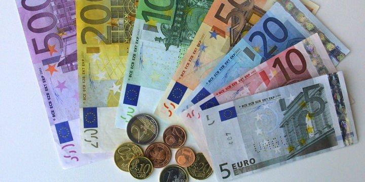 Euro rekor kırdı: Parite 5 liraya yaklaştı