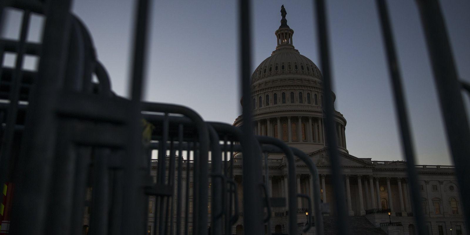 ABD'de bütçe krizi devri: 'Hükümet iflas etti, izinlisiniz'