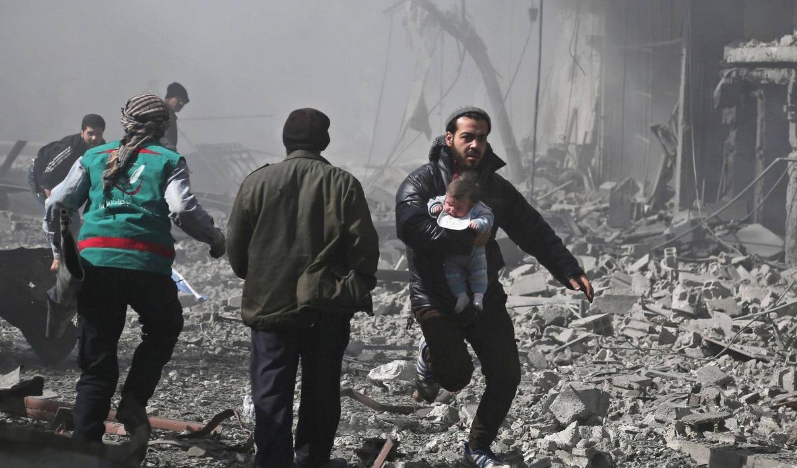 Doğu Guta'da korkunç katliam: Rejim ve Rusya bombardımanı 97 can aldı
