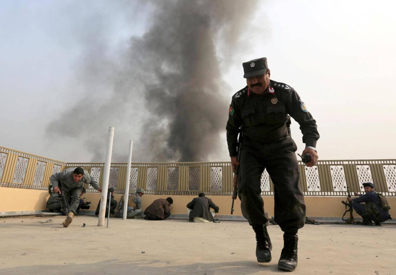 IŞİD, Afganistan'daki ABD üssünü füzelerle vurdu