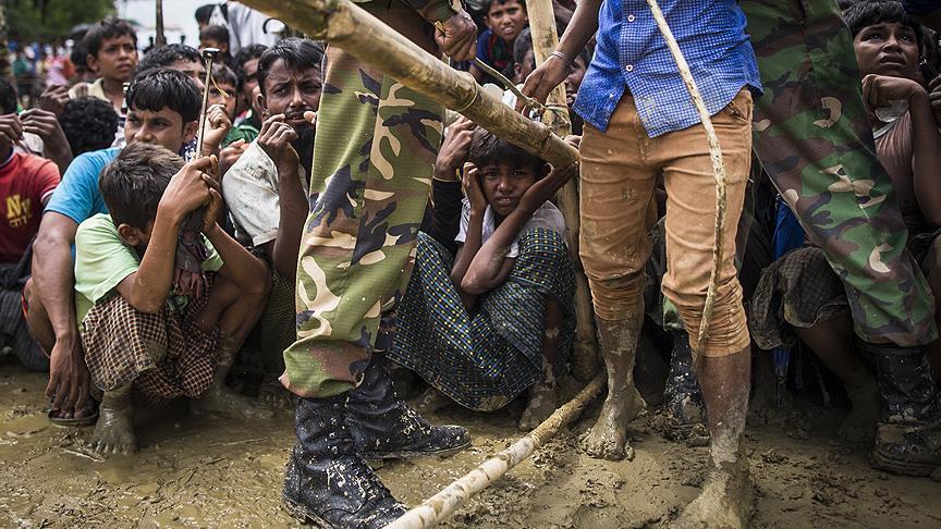 Myanmar hükümeti Arakan-Bangladeş sınırına tel örgü çekecek