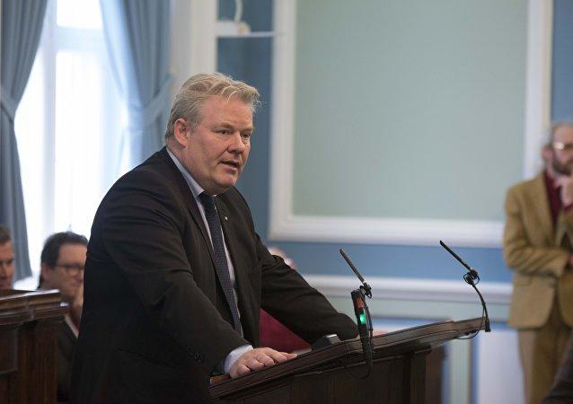 İzlanda başbakanı seçimlerin ardından istifa etti