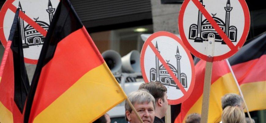 Almanların yarısından fazlası İslam'ı tehdit olarak görüyor