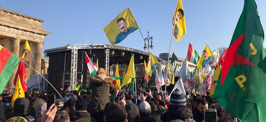 Kırmızı bültenle aranan Salih Müslim Berlin'de PKK mitingine katıldı