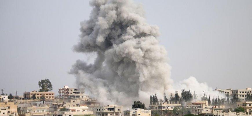 Rusya İdlib ve Hama'da sivil yerleşim yerlerini vurdu