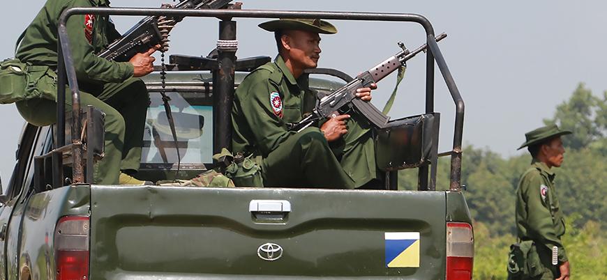 Myanmar ordusu Arakanlı Müslümanların köylerine kalıcı olarak yerleşiyor