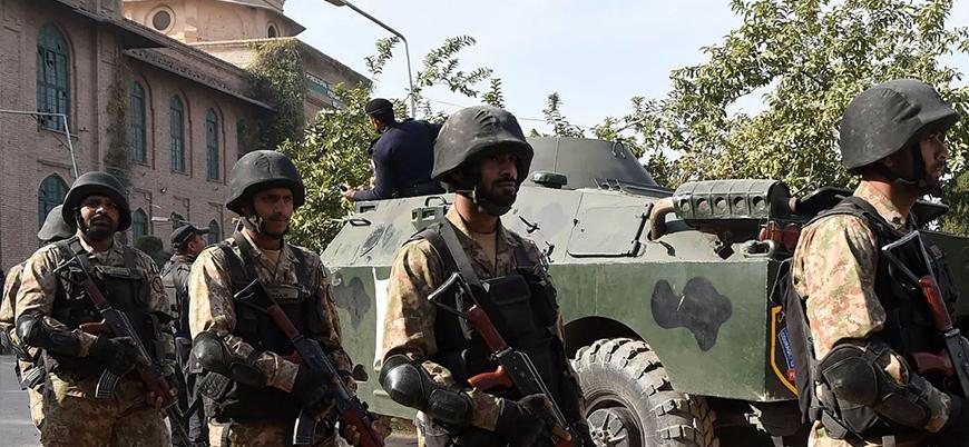 Pakistan'da Tehrik-i Taliban polisi bombalı saldırıyla hedef aldı