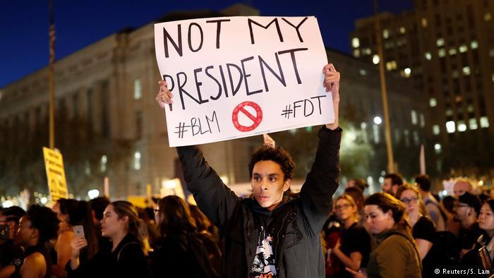 """ABD'de Trump karşıtı protestolar: """"Benim başkanım değil"""""""