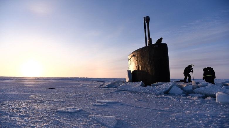 ABD denizaltısı buza saplandı