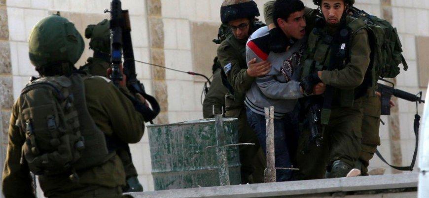 İsrail Batı Şeria'da 43 Filistinliyi gözaltına aldı
