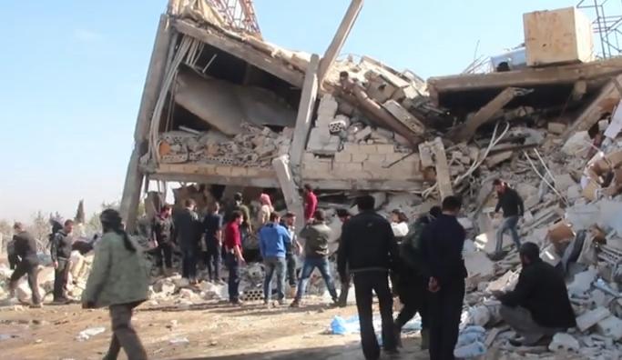 Rusya Halep'te bir hastaneyi hedef aldı