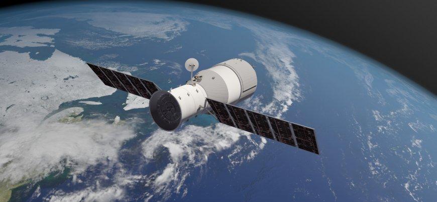 Çin'in uzay aracı Dünya'ya düşecek
