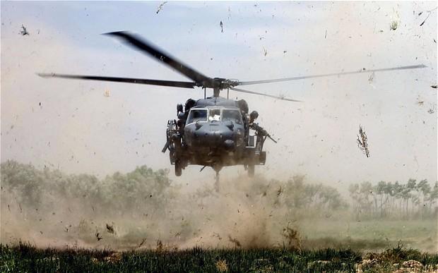 Afgan helikopteri düştü: Taliban ve IŞİD'ten iki ayrı üstlenme açıklaması