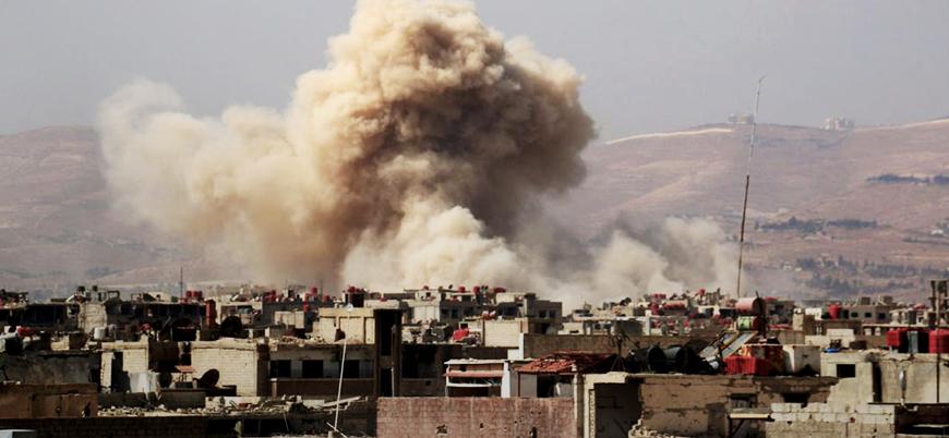 Rus uçakları İdlib'de Gutalı mültecilerin sığındığı stadyumu vurdu